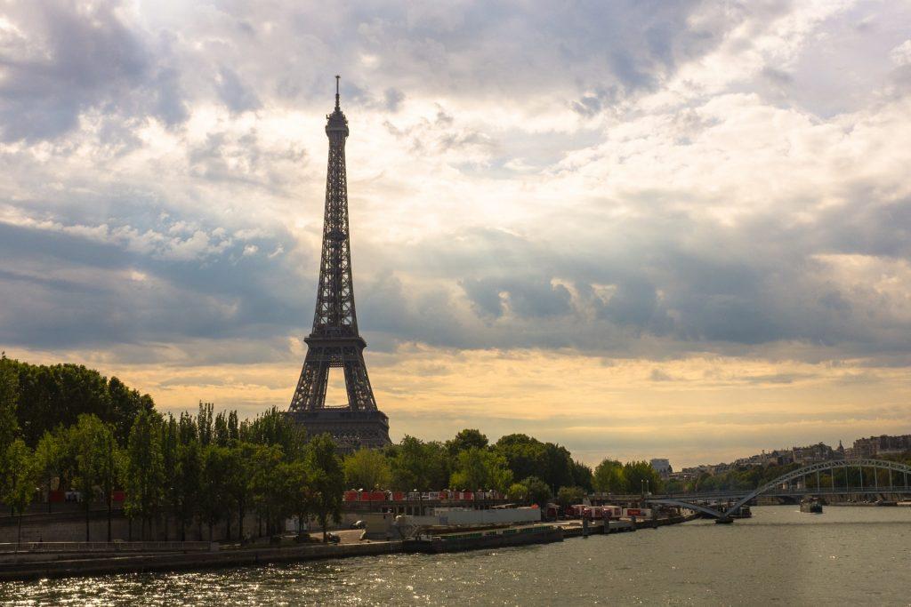 Spedizione Pacchi in Francia – Spedire Oggi